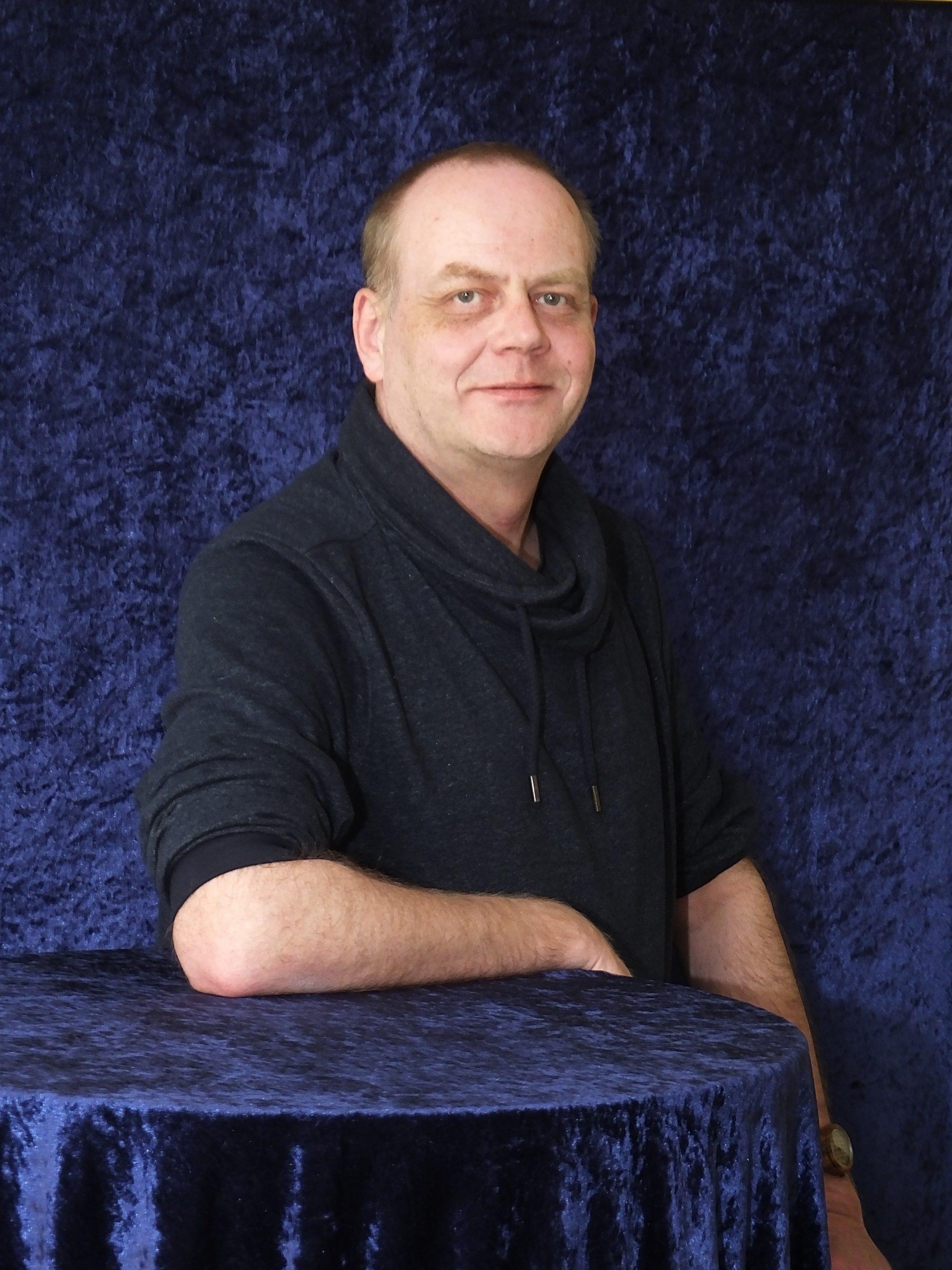 https://www.ulf-berner.de/wp-content/uploads/2021/01/Ulf-Berner_Presse_02_898x898.jpg