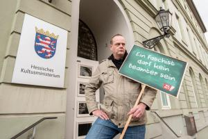 2019-12-12 Uebergabe-Hoecke-Petition-Wiesbaden by Philip-Eichler@Campact 003