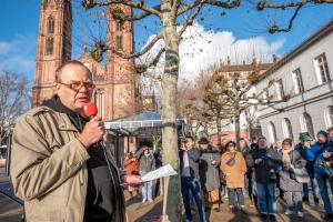 2019-12-12 Uebergabe-Hoecke-Petition-Wiesbaden by Philip-Eichler@Campact 015